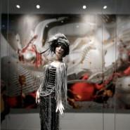 Выставка «Световая и фарфоровая природа женщины» фотографии