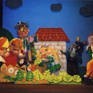 Кукольный спектакль «Новые приключения трёх поросят» фотографии