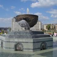 Памятник-фонтан «Казан» фотографии