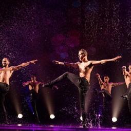 Шоу под дождем 4 «Только для женщин» 2019