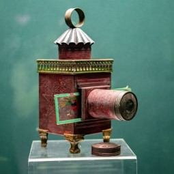 Выставка проекторов и теневых театров XIX «Волшебный фонарь»