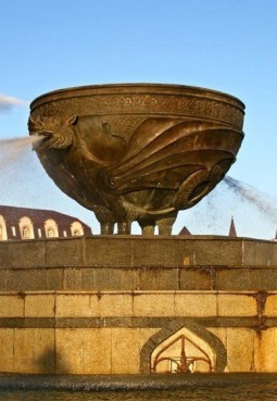 Памятник-фонтан «Казан»