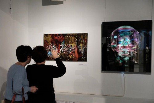 Выставка «Световая ифарфоровая природа женщины»