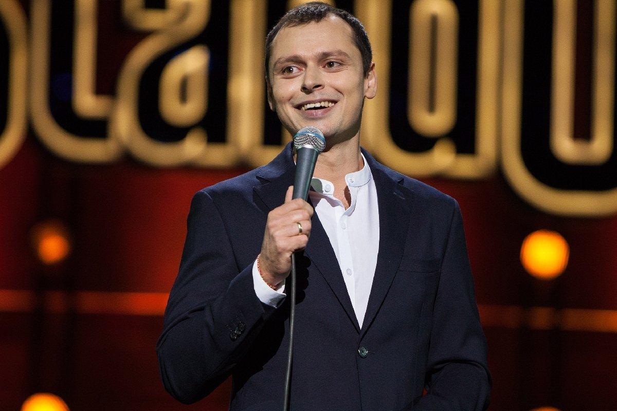 Шоу StandUp Виктора Комарова 2021