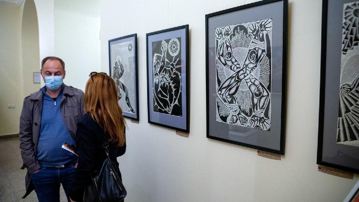 Выставка 6 молодых художников