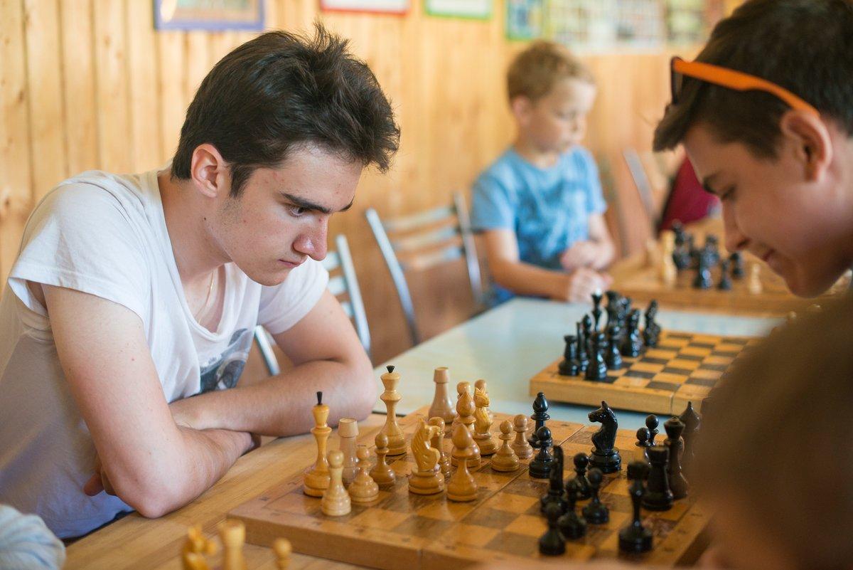 картинка шахматного турнира кто-то ушёл мир