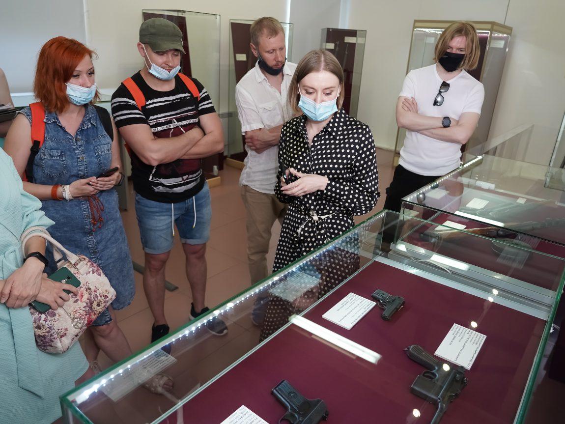 Выставка «От мушкета доавтомата: изистории стрелкового оружия»