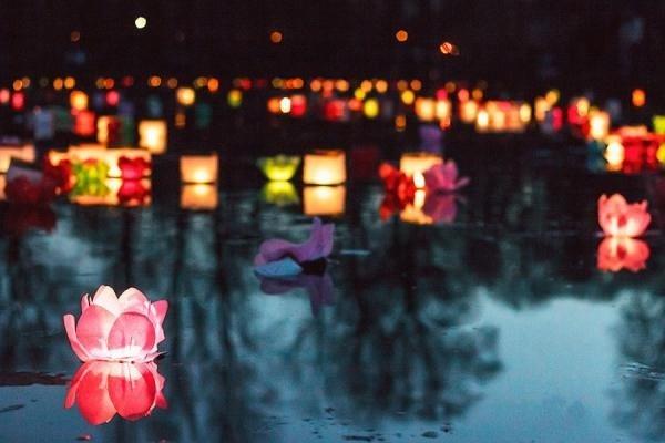 Вечер водных фонариков 2019