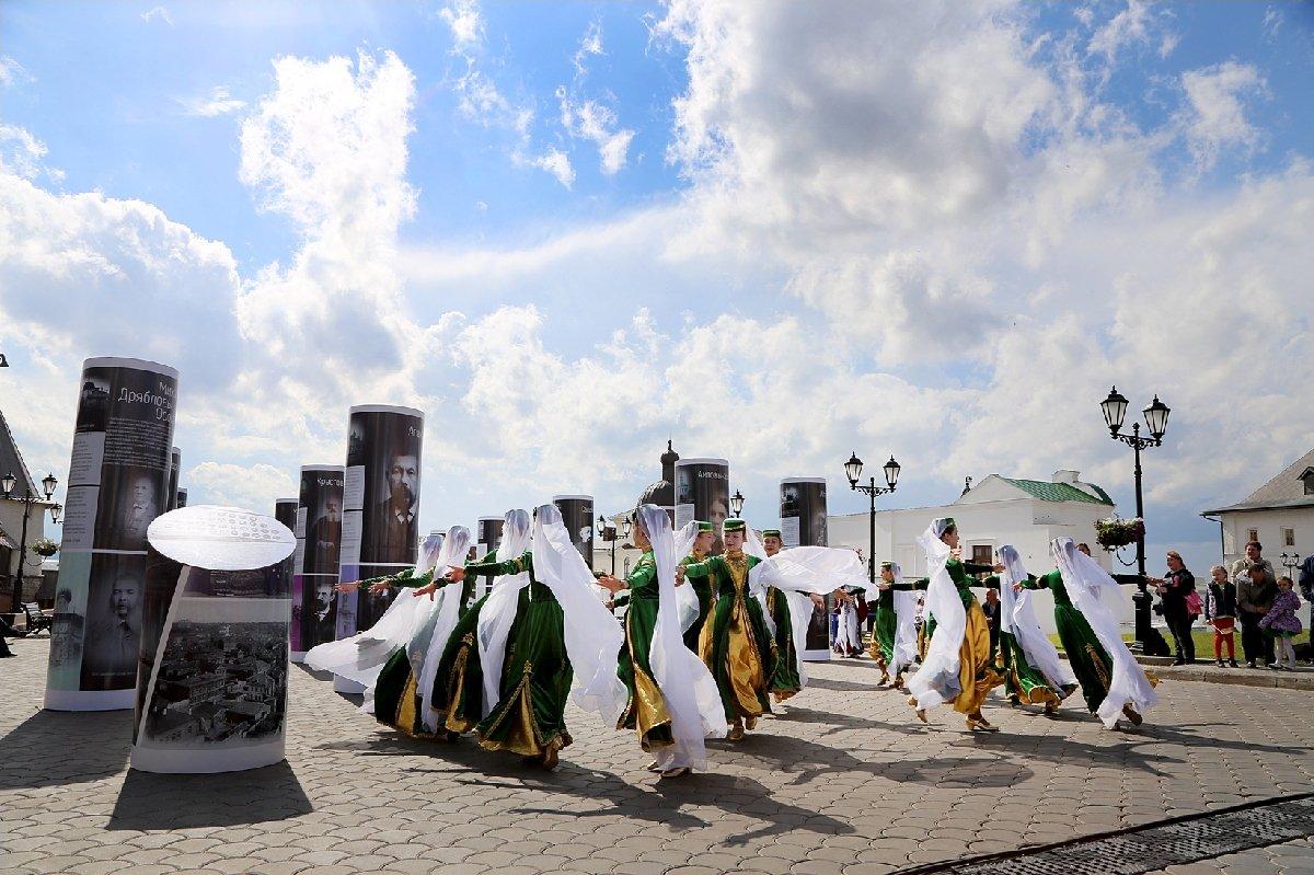 Выставка «Традиция семьи– служение Отечеству»