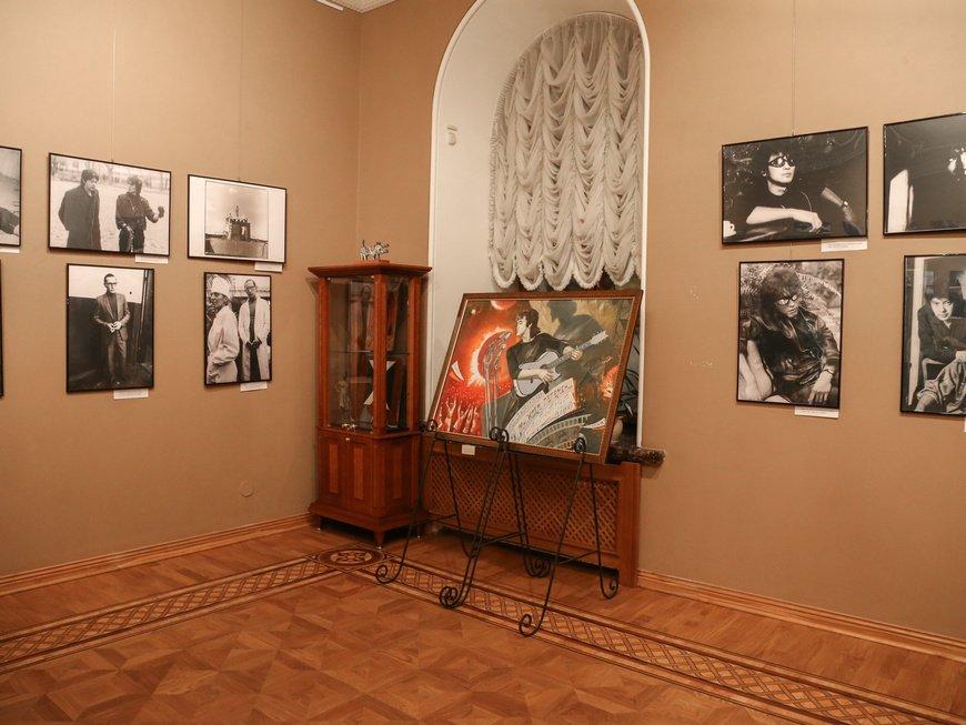 Выставка «Игла» закадром. Откровение деталей»