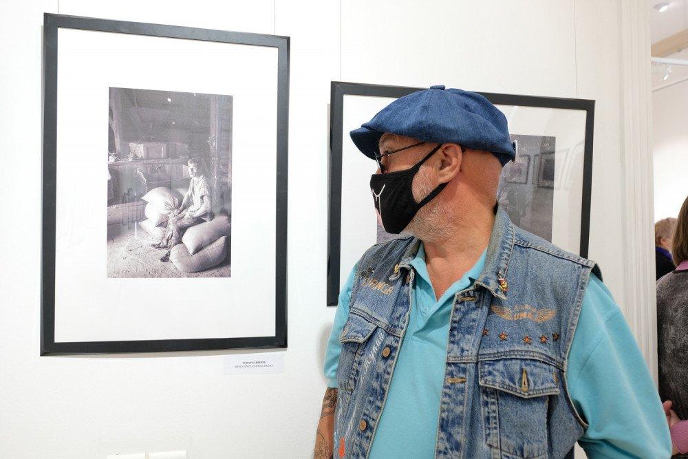 Выставка «Сто фотографий изСССР»