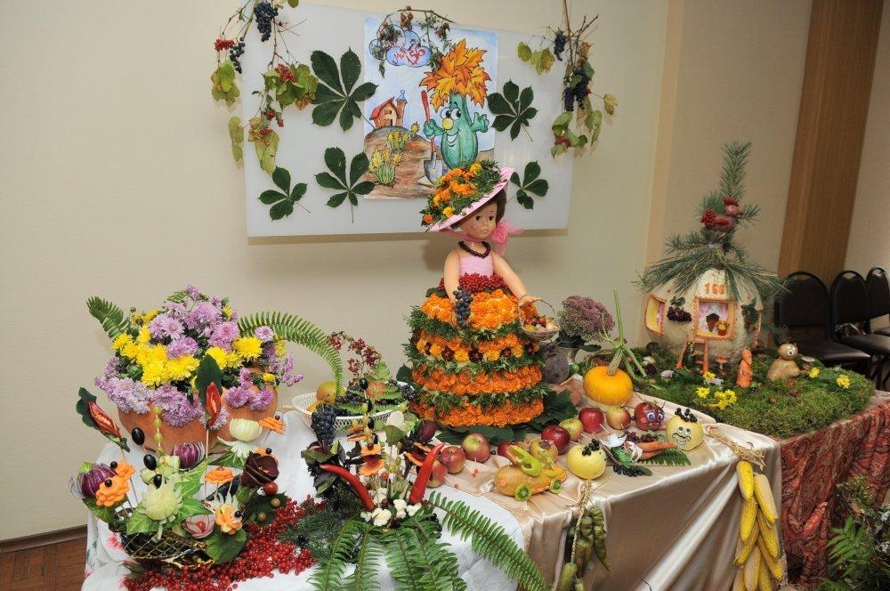 Выставка поделок из цветов